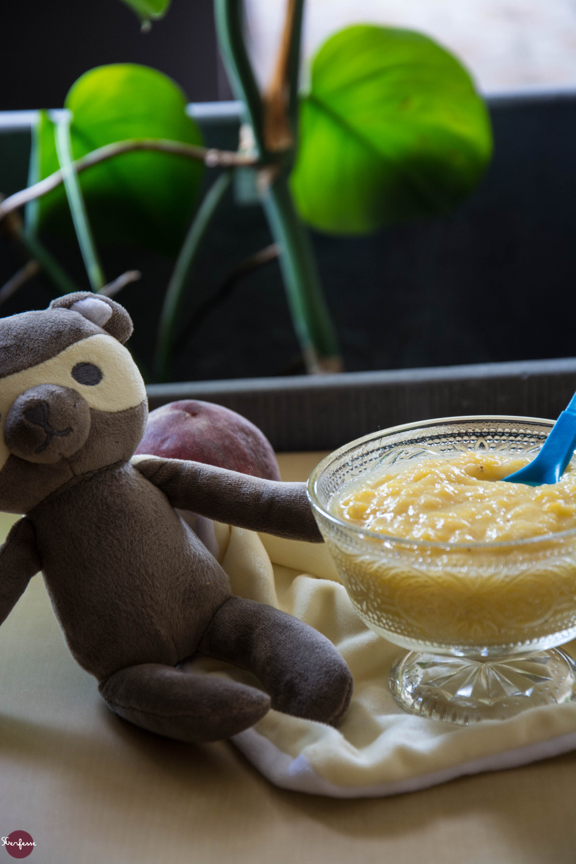 Compote-de-pêches-et-bananes-3
